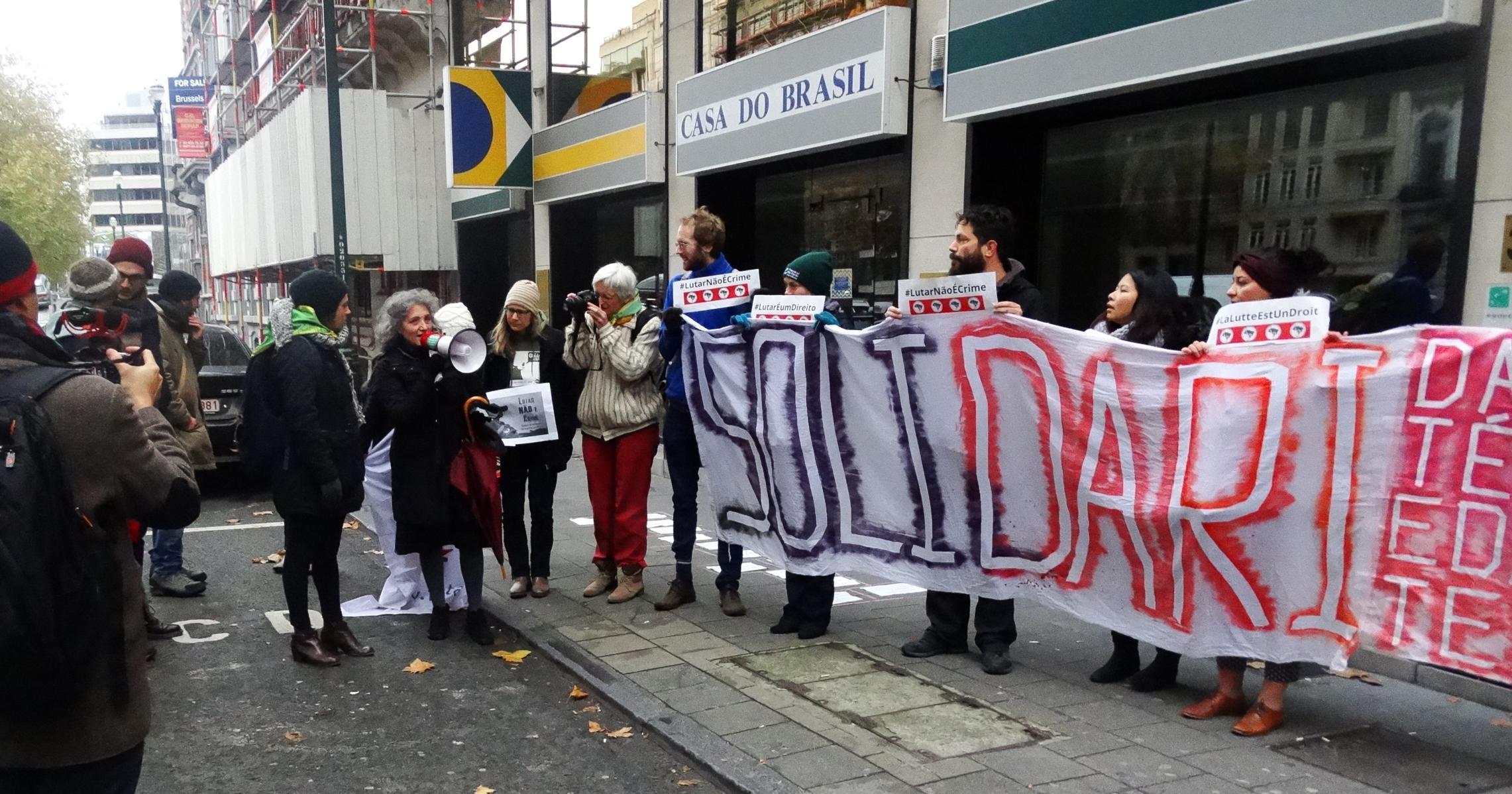 lidia-na-protesta-en-bruxelas-en-apoio-ao-mst_2282x1198