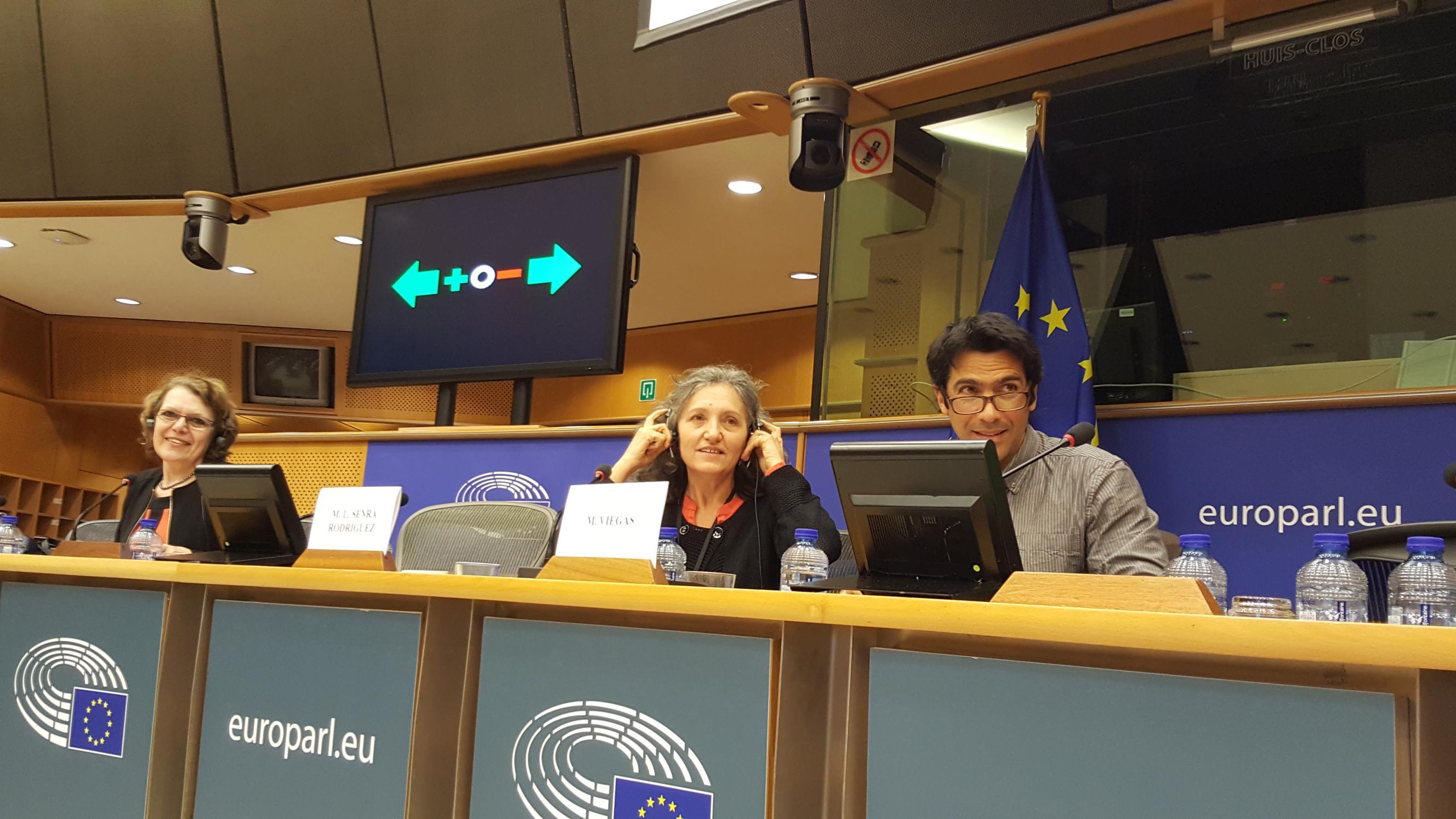 Lidia Senra, moderando a mesa de ponentes REALPE este xoves