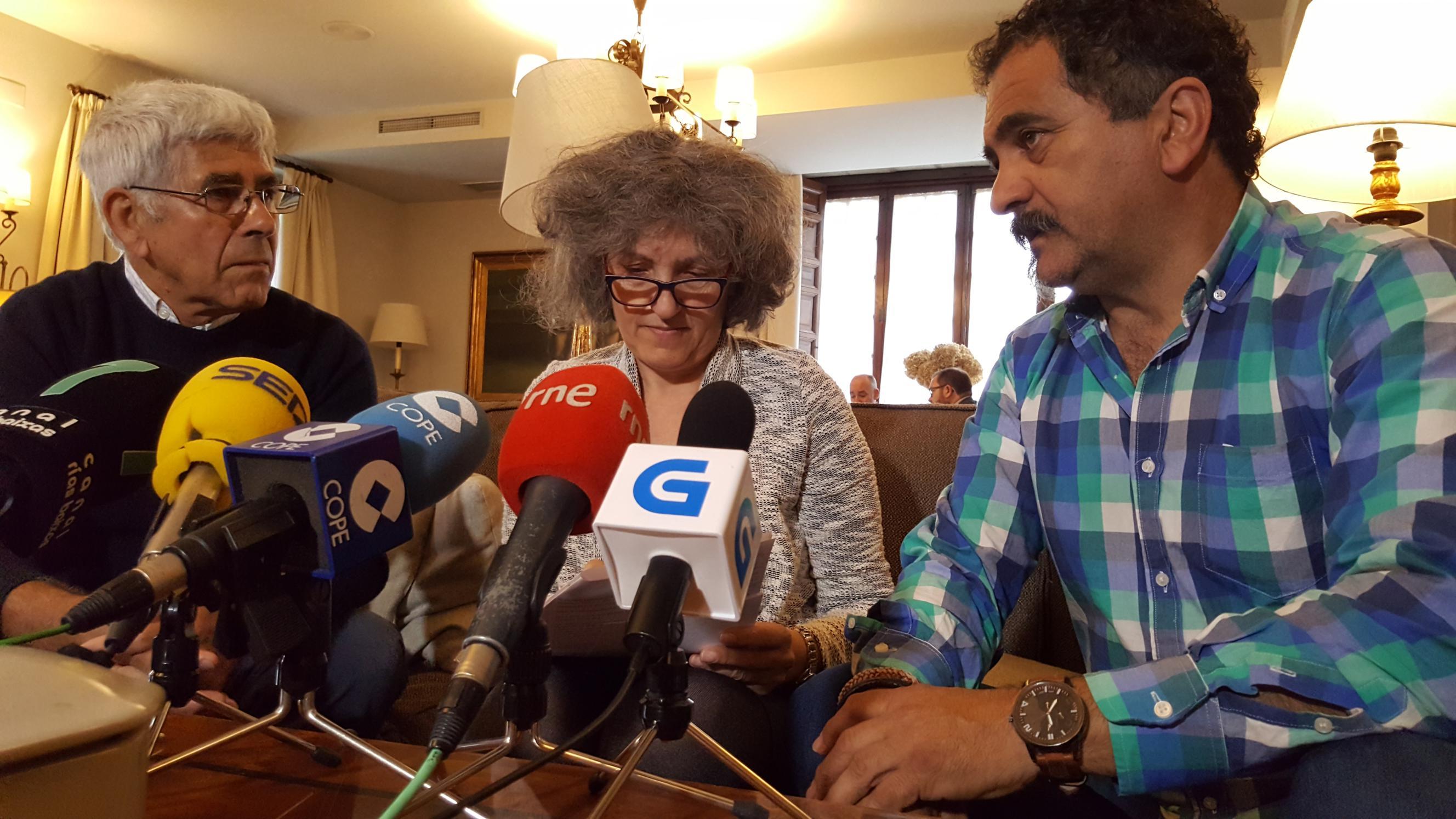 Anton Costa, Lidia Senra e Claudio Quintillan na rolda de prensa II