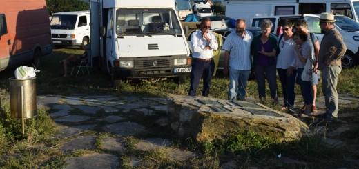 Lidia-Senra-visitando-o-castro-de-Barreiros-cheo-de-vehiculos_2079x1384-520x245