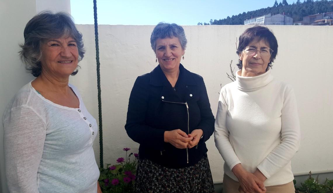 Lidia Senra, entre membros da Asociacion SQM Galicia, reunidas en Santiago_2656x1494