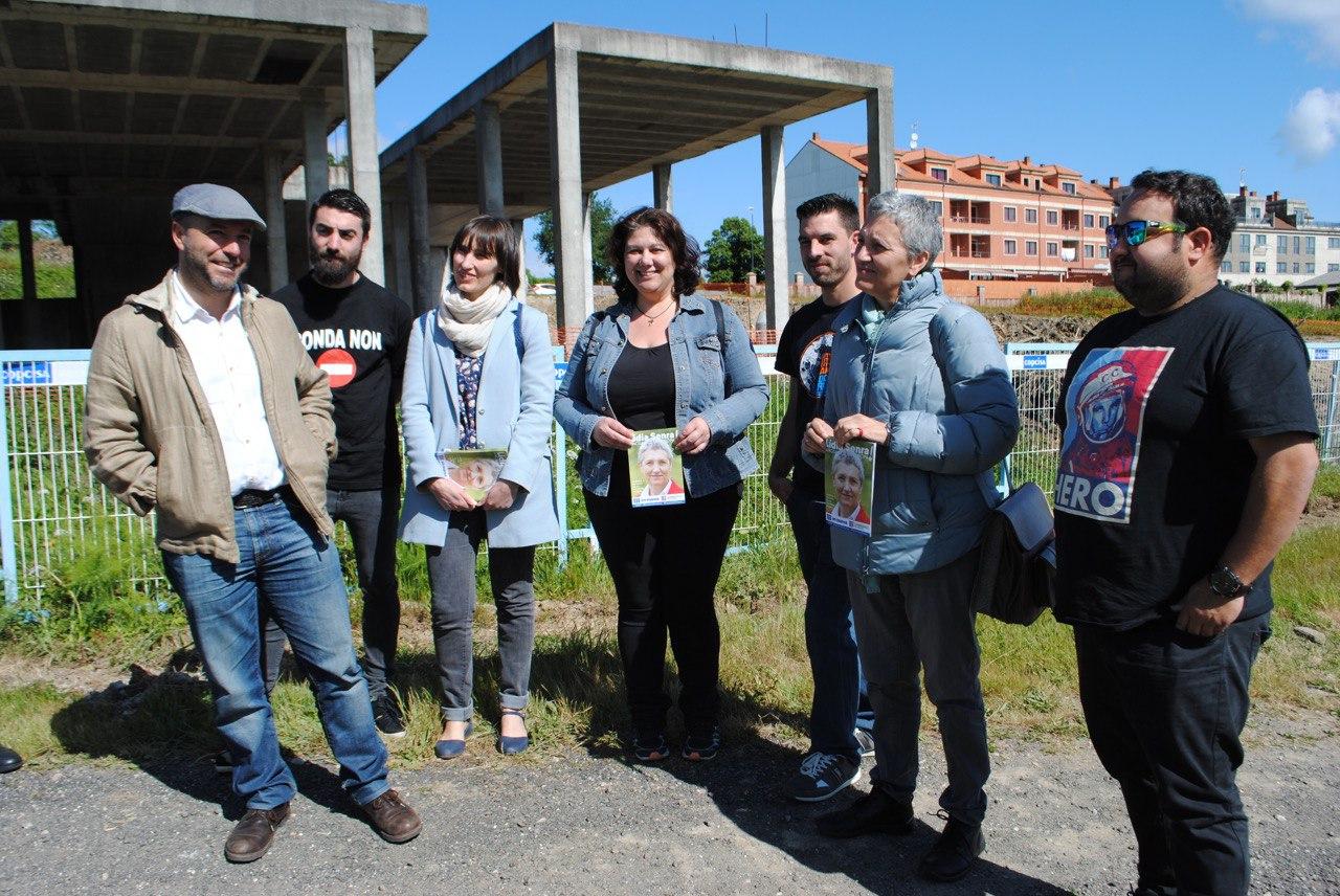 Lidia Senra con Luis Villares e Mari Caminha en Sanxenxo
