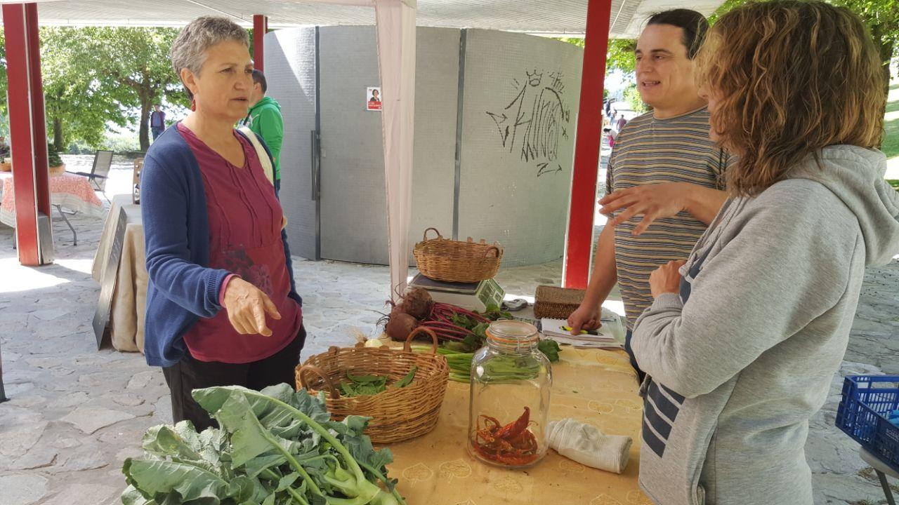 Lidia Senra no mercado de teo