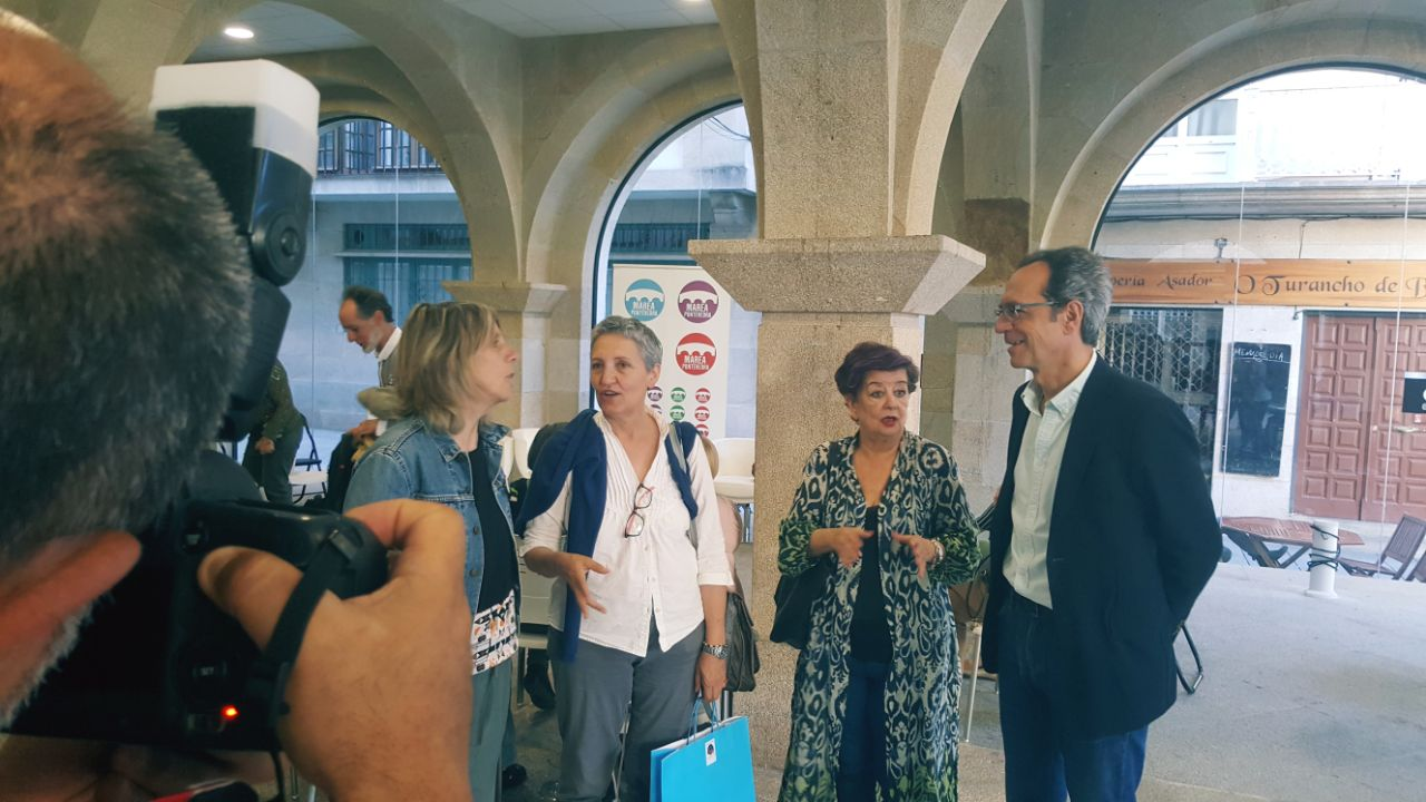 Peque Gonzalez, Lidia Senra, Teresa Casal e Luis Rey, ao comezo da conversa